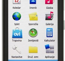 Nokia C5-03 black 02.JPG
