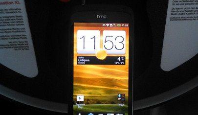 HTC-one-press1