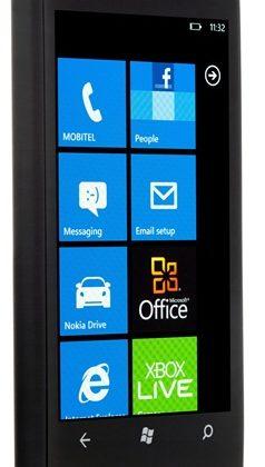 Nokia_Lumia_800-mobitel