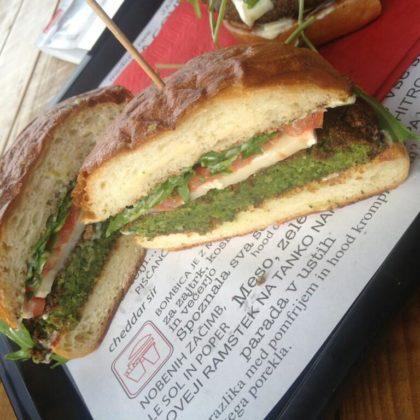 vegiburger-hood-burger