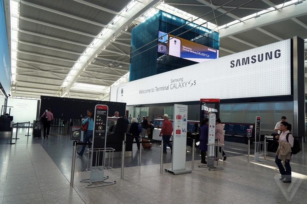 London-Heathrow-Terminal-5-samsung-2