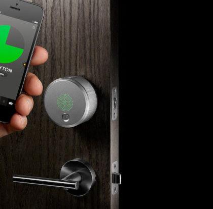 kljuc-hotelska-soba-telefon