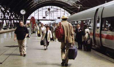 vlak-potniki