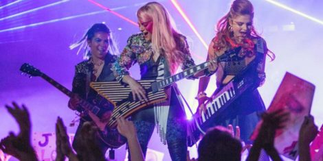 Jem and the Holograms-2