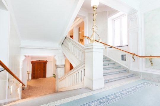 GH Union_hallway