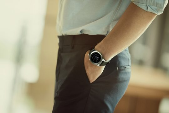 samsung-gear-s3-classic_lifestyle