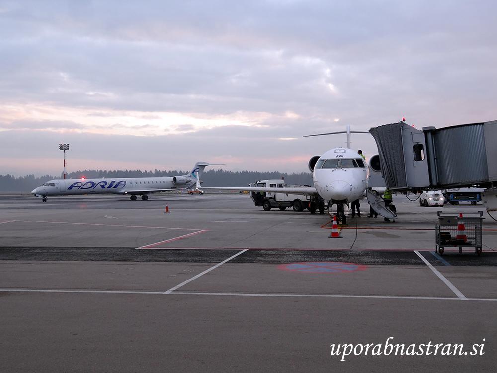 s5-aaw-1-27-11-16-brnik-adria-airways
