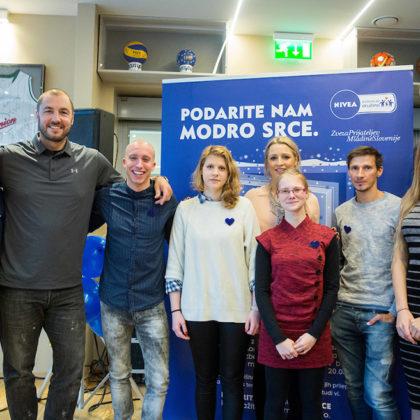 Dobrodelna akcija Podarite nam modro srce v organizaciji podjetja Nivea in Zveze prijateljev mladine Slovenije