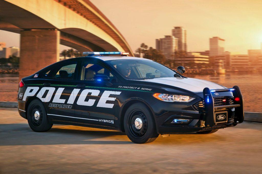 Police-Responder-Hybrid-Sedan-1