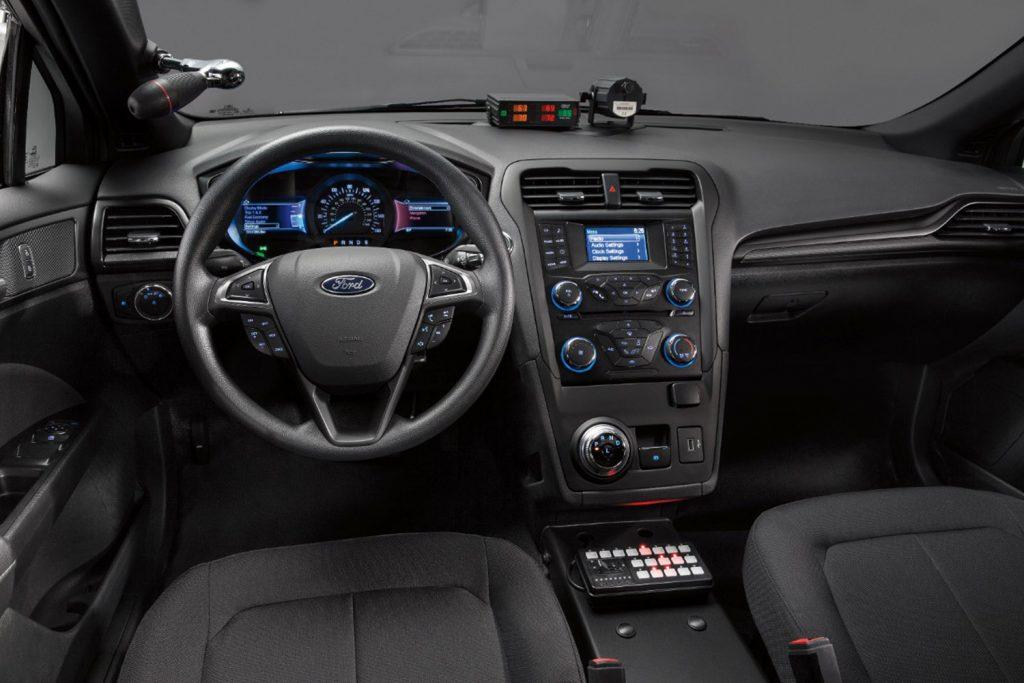 Police-Responder-Hybrid-Sedan-10