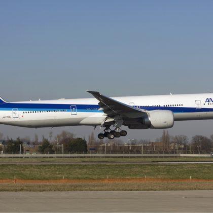 ANA_Boeing_777-300ER