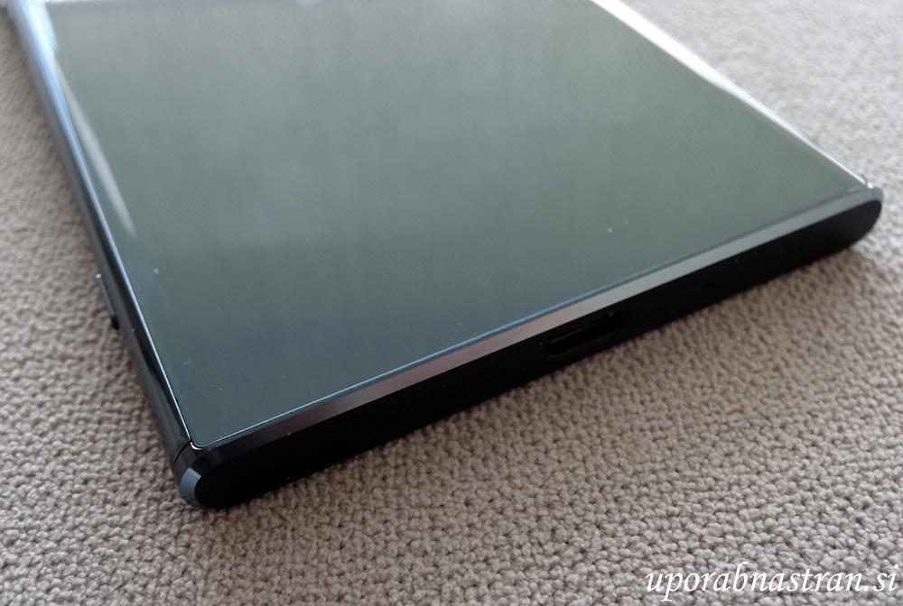 Sony Xperia XZ Premium-18
