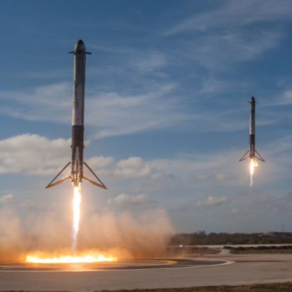 Space-X-falcon-heavy-space-rocket