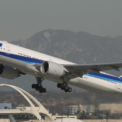 ANA_Boeing_777-300ER-1