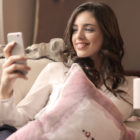 mobilni-telefon-zenska
