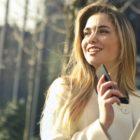 mobilni-telefon-zenska-FB