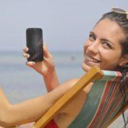zenska-mobilni-telefon-gostovanje-roaming-FB