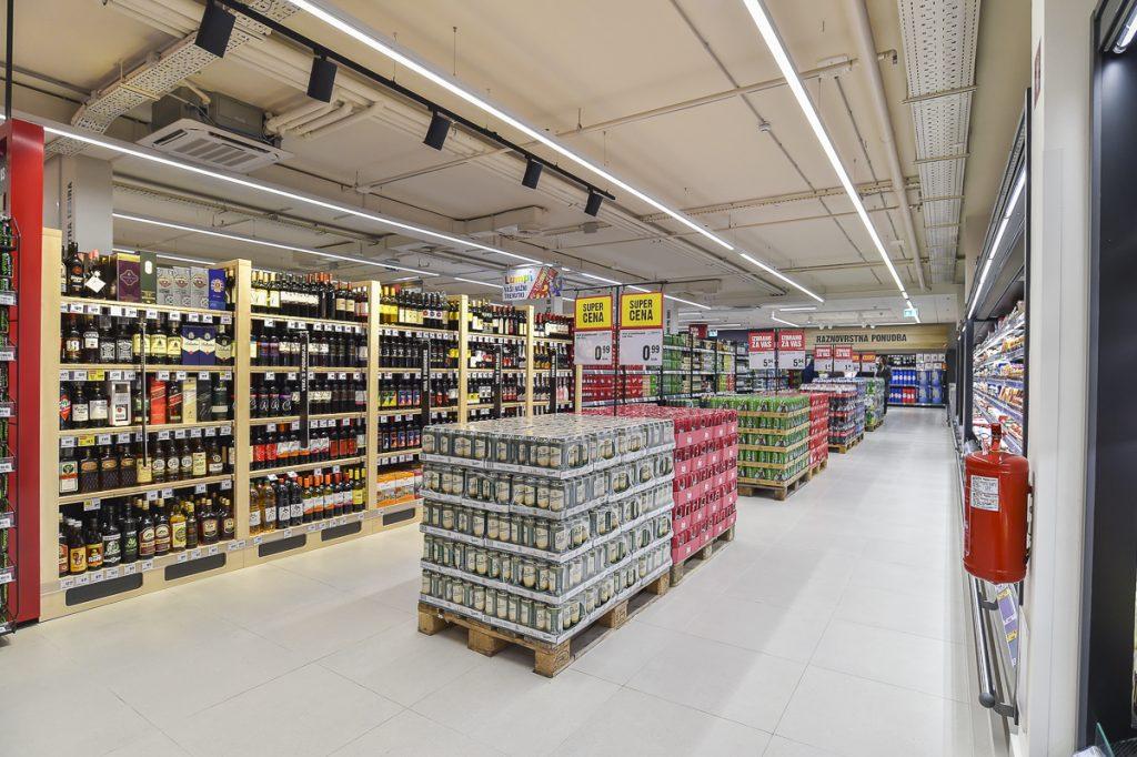 mercator-supermarket-menges-6