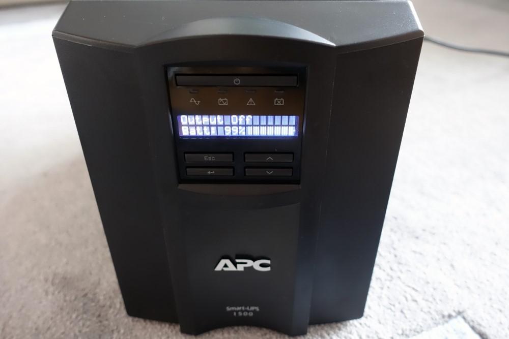 APC Smart-UPS SMT1500IC-8