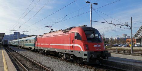 slovenske-zeleznice-vlak-lokomotiva-541-008