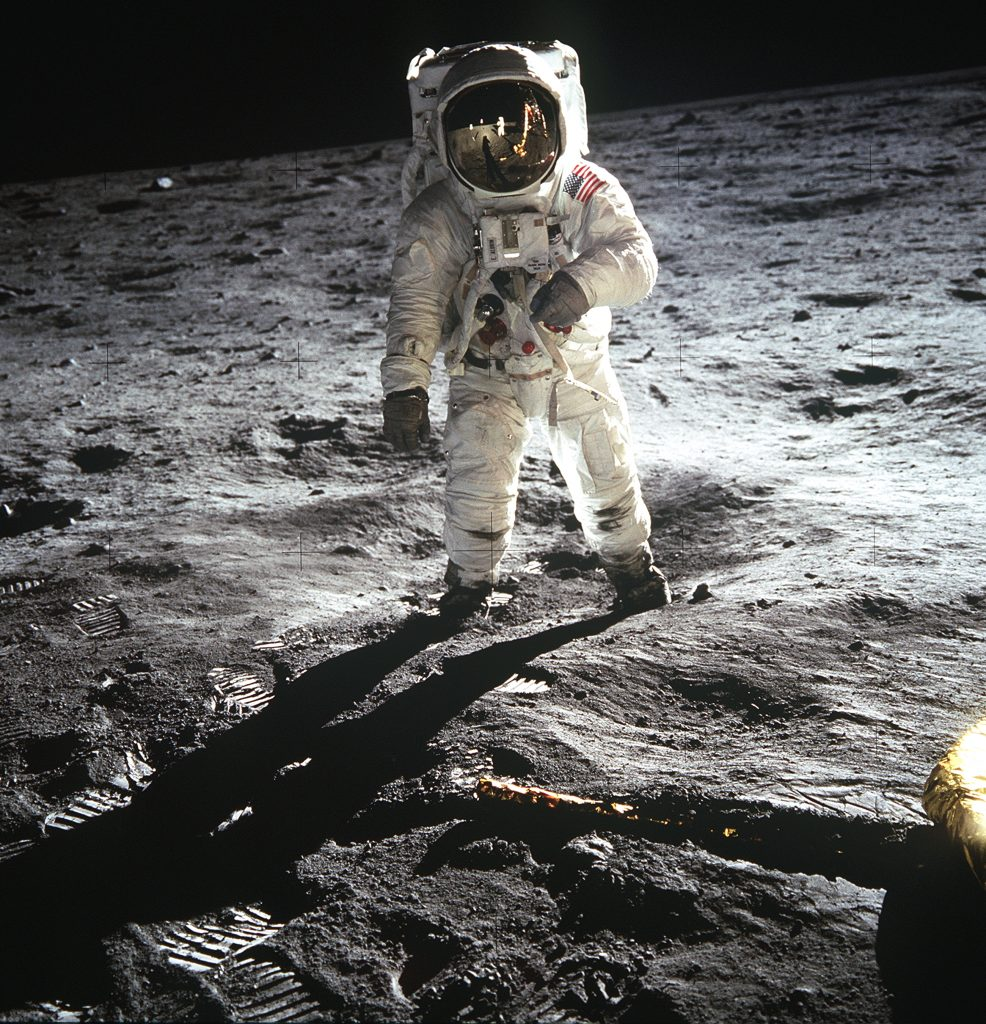 Apollo-the-Forgotten-Films_Apollo-pozabljeni-posnetki-discovery-channel-1.jpg