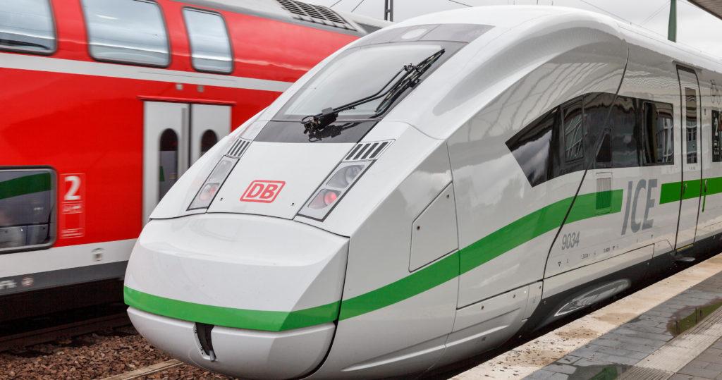 Deutsche-Bahn-DB-Gruener-ICE-vlak