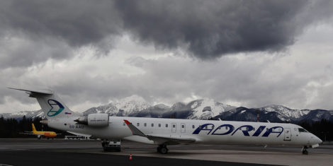 adria-airways-s5-aau-FB
