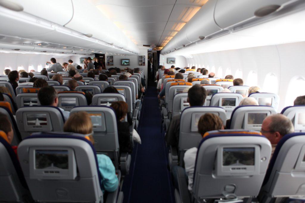 lufthansa-airbus-A380-800-economy