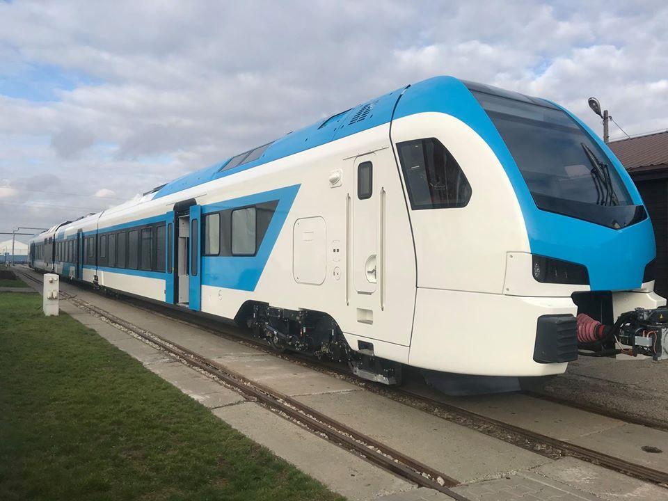 stadler-FLIRT-DMV-dizelski-vlak-zunanjost
