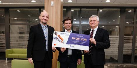 zlata-lisica-2020-nlb-mastercard-predaja-donacije-FB-scaled