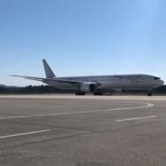 kitajska-ljubljana-slovenija-letalo-medicinska-oprema-7-4-2020-boeing-777-nordwind-airlines
