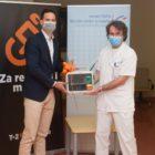 t-2-defibrilator-pediatricna-klinika-ljubljana-ukc-donacija-FB