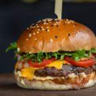 Cheeseburger-hamburger-s-sirom