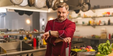 Ja-Chef-igralci-Jurij-Zrnec-Ljubomir-Bohinc-VOYO-Original