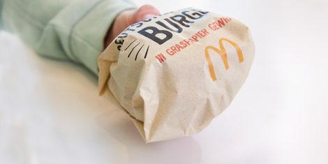 McDonalds-papir-iz-trave-grass-paper-Deutschlandburger