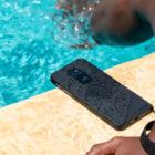 Motorola-Defy-trpezen-telefon-odporen-na-vlago-padce-IP68